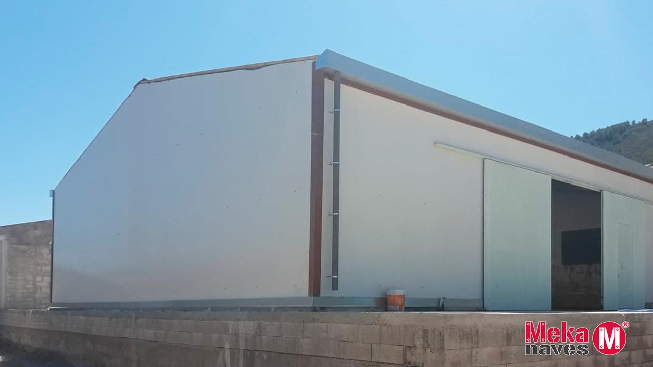 Nave industrial en Tarragona destinada a almacén de frutas, granadas. Mekanaves