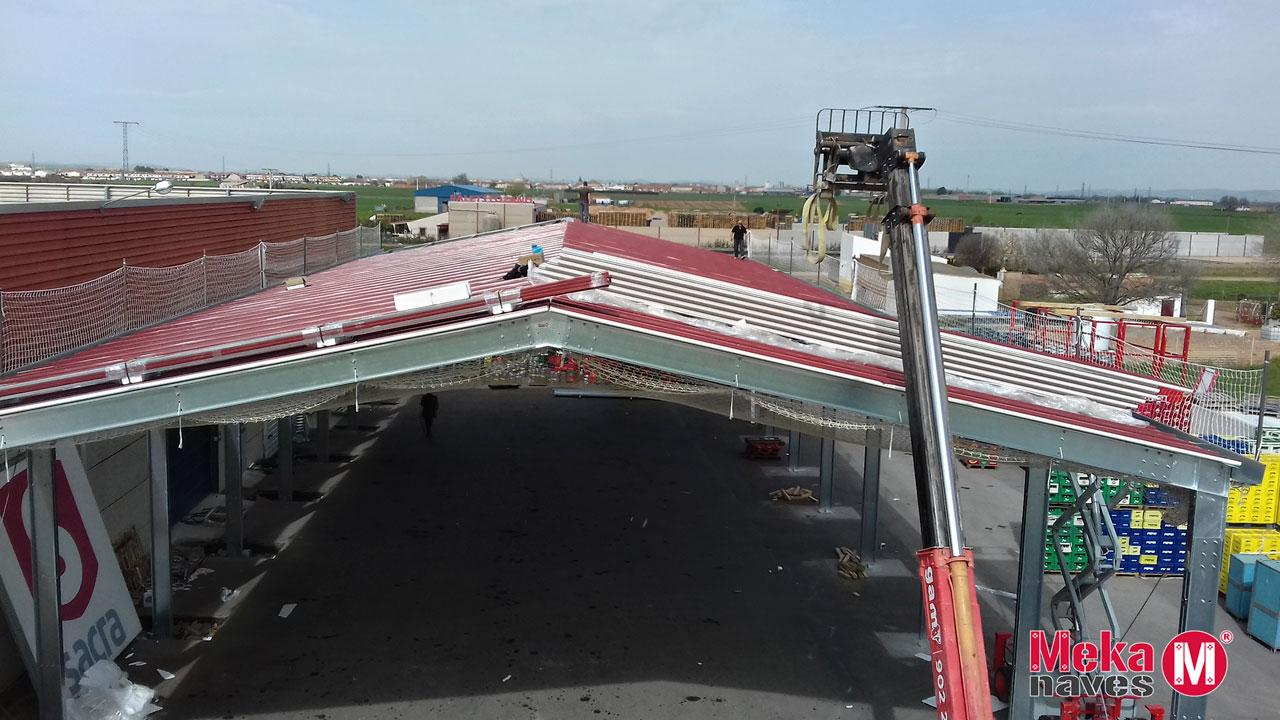 Nave Industrial para almacén de alimentos y bebidas de centro comercial, estructura metálica panel sandwich. Mekanaves