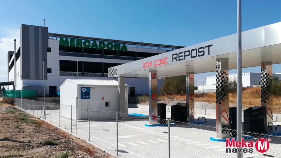 Nave para almacén en gasolinera en Madrid, automontaje Mekanaves