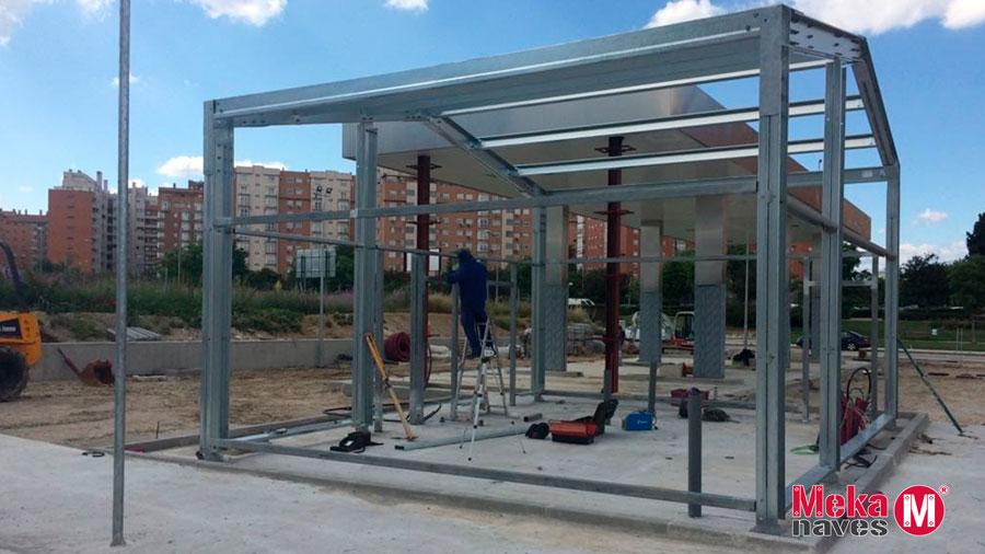 Nave industrial para almacén en gasolinera en Madrid. MEKANAVES