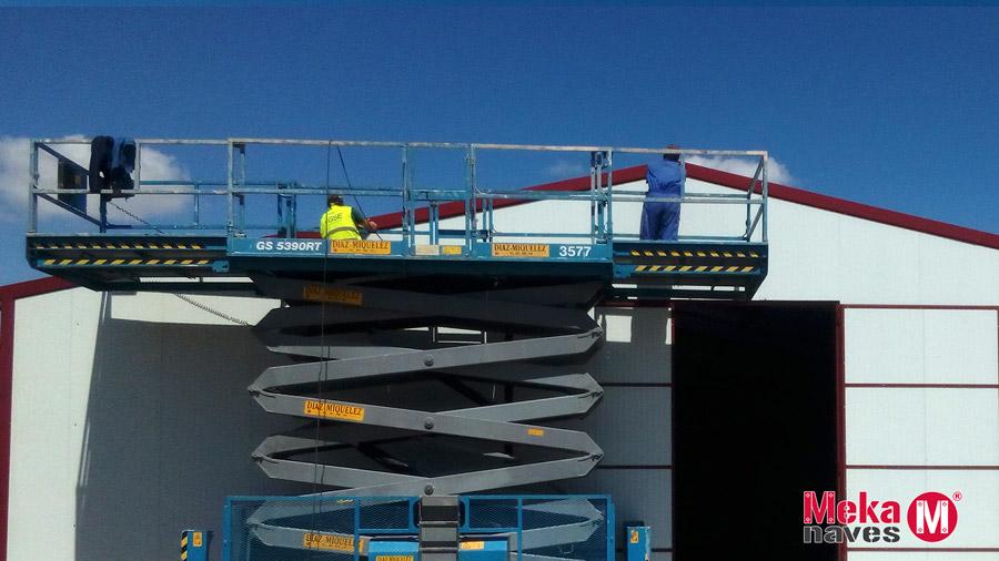Nave prefabricada modular con montaje Tecnico Mekanaves