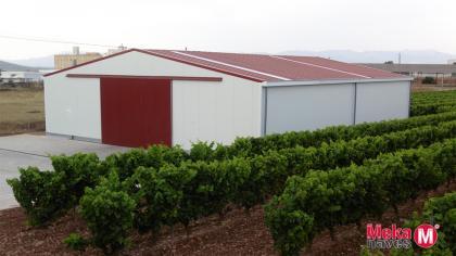 almacén maquinaria agrícola