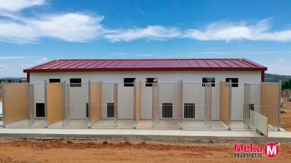 centro para perros prefabricado